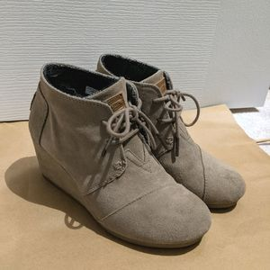 Tom's Desert Taupe Wedge Ankle Boots